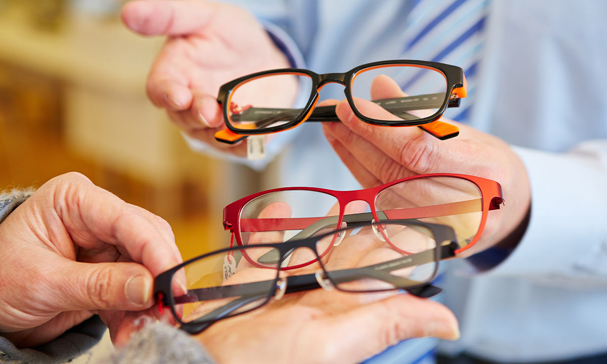 What's the difference between bifocals and varifocals?